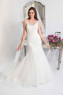 Pretty lace fishtail wedding dress