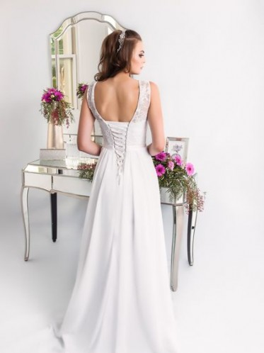 Pretty simple beach wedding dresses Lee