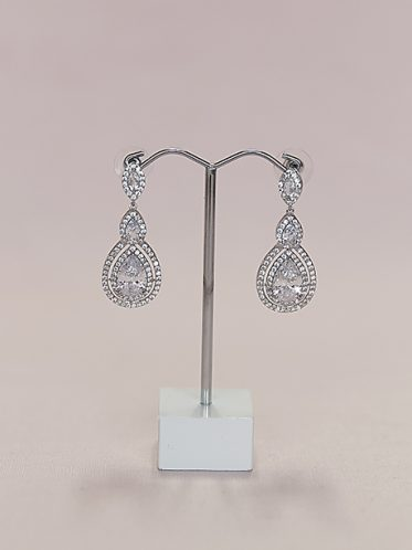 hanging earrings in silver