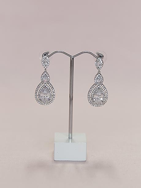 hanging earrings in silver