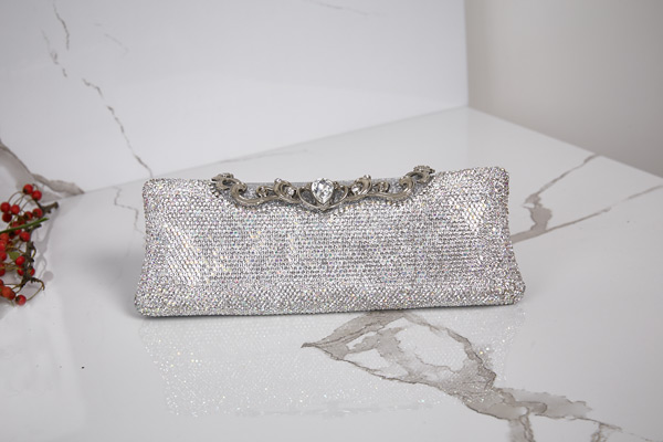 Beaded bag silver