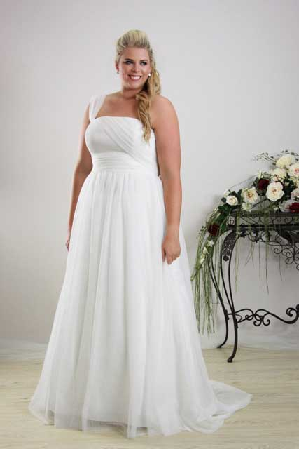 leah s designs Simple plus size wedding dress Annie