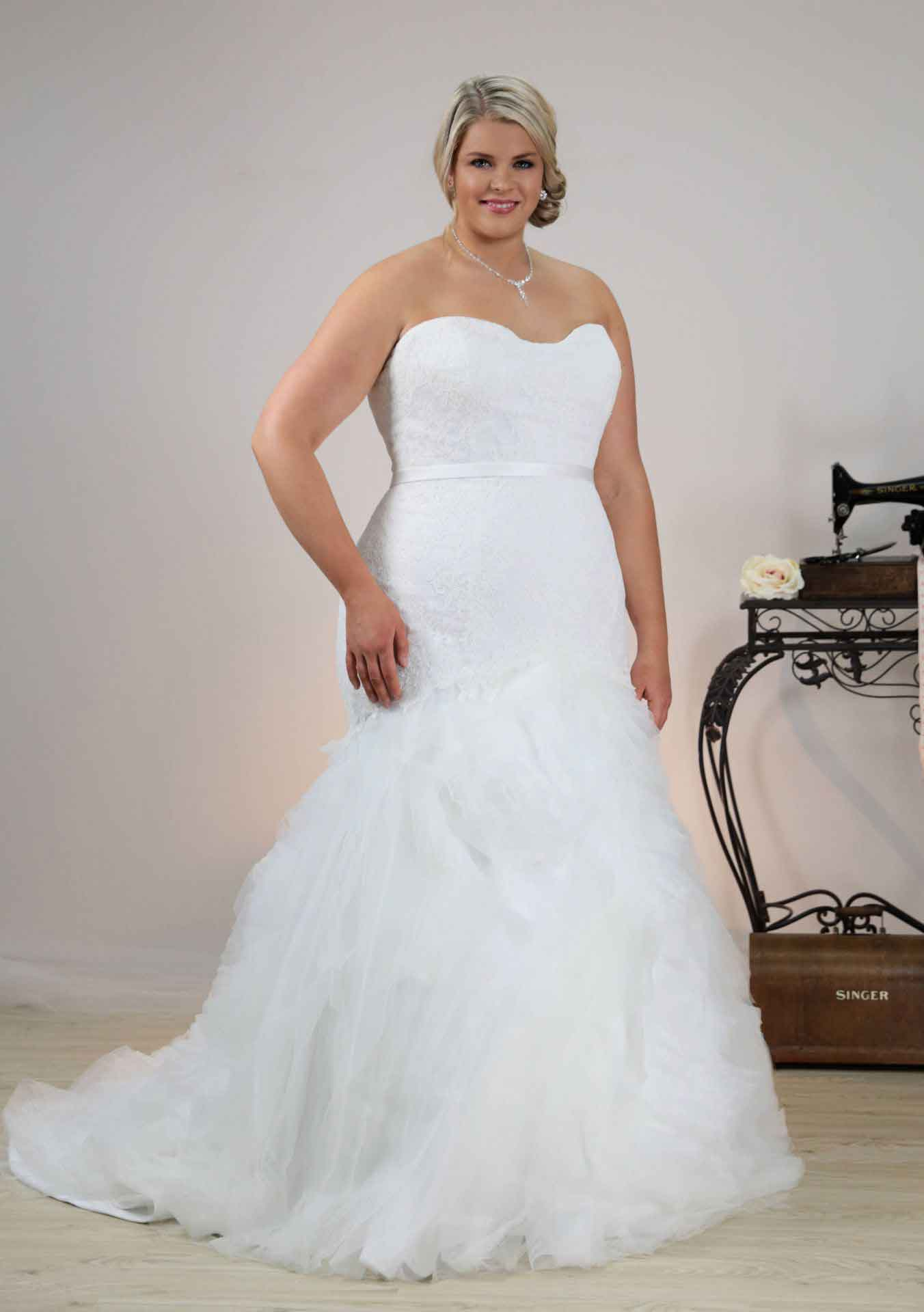 leah s designs Couture wedding dress