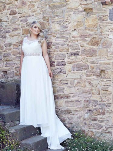 Beach wedding dresses Lee