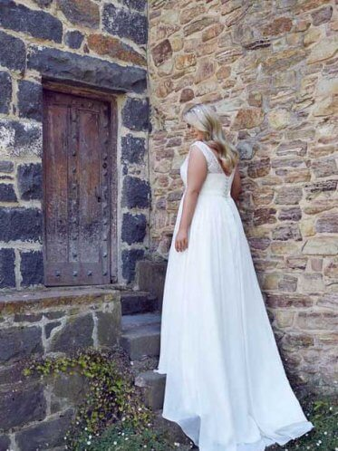 Beach wedding dresses with sleeves Lee