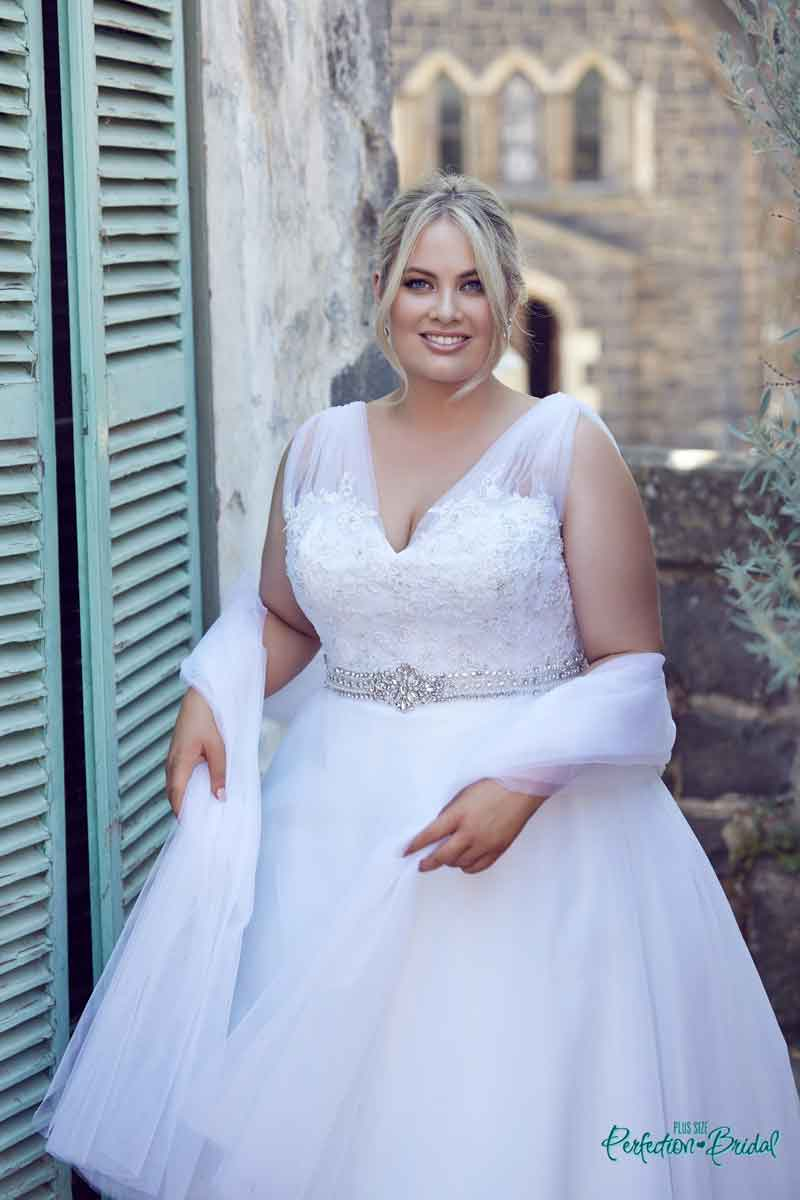 Looks - Plus Debs size dresses pictures video