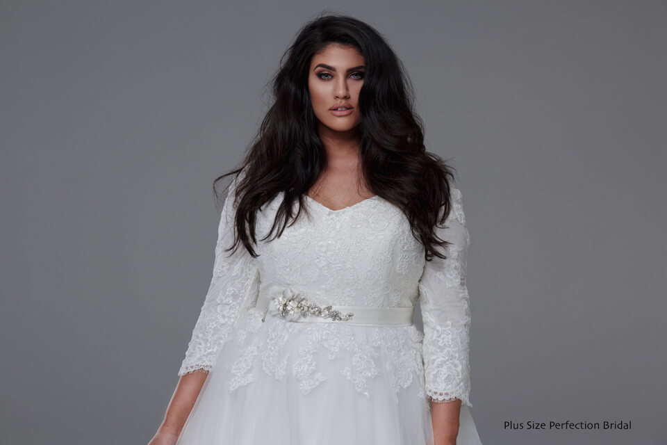 Plus Size Wedding Gowns With Sleeves: Plus Size Wedding Dresses-Wedding Dresses Melbourne-Leah S