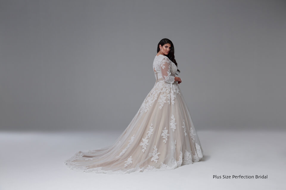 Plus Size Wedding Dresses-Wedding Dresses Melbourne-Leah S