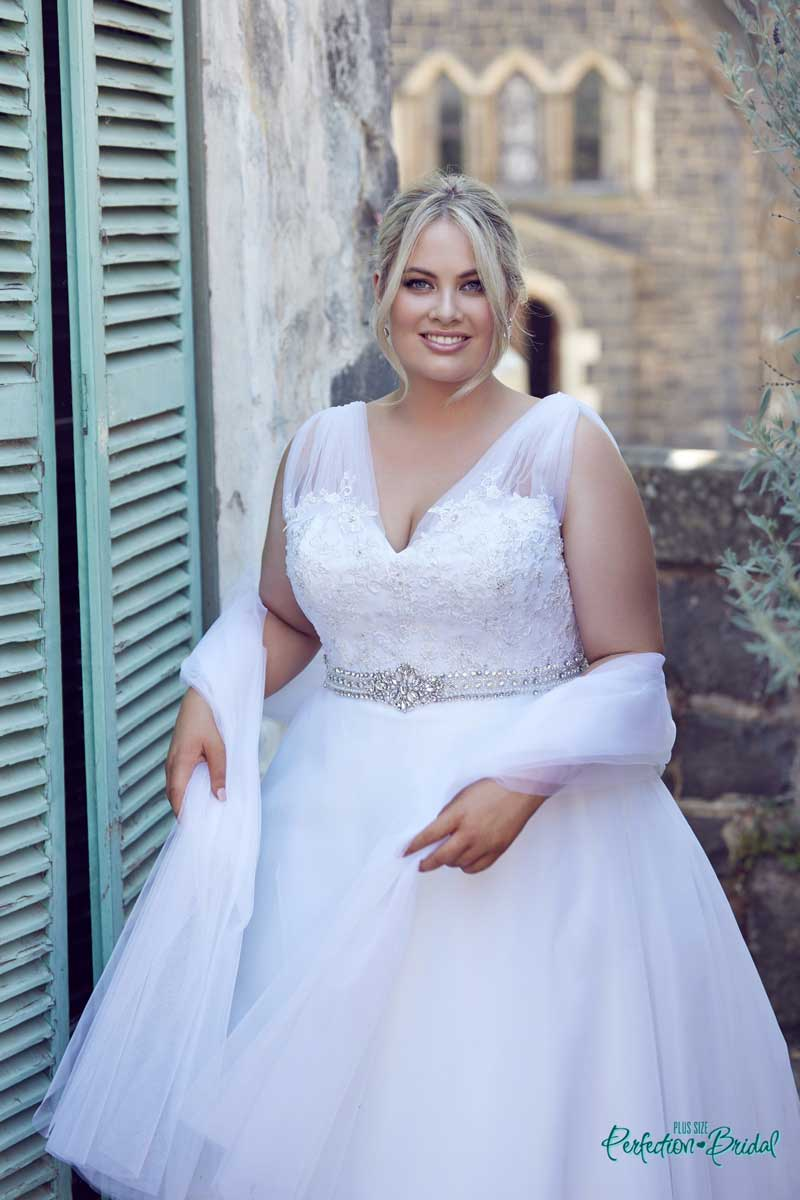 Pretty wedding dresses Felicity