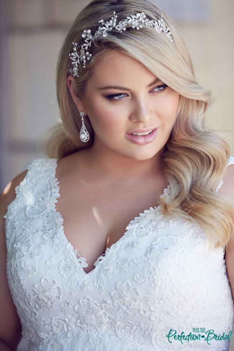 Plus Size Wedding Hairstyles Fashion Dresses