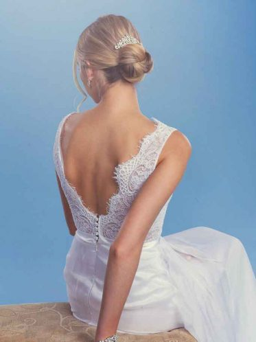 Wedding jewellery classic hair comb wedding hairstyle