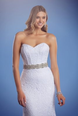 Lace mermaid wedding dress with ultimate belt