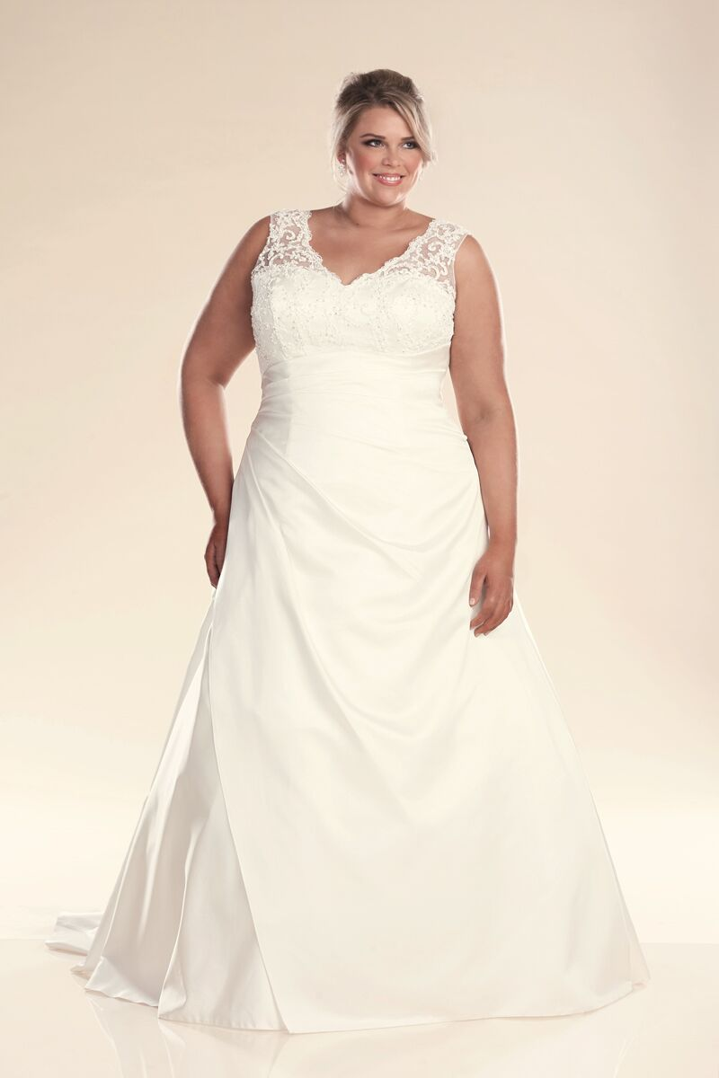 leah s designs Plus size wedding dress with straps