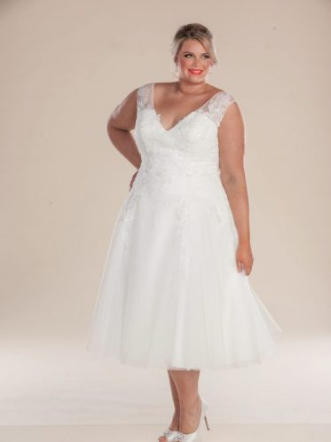 T length vintage style wedding dress