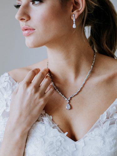 Wedding dress earring set for sale