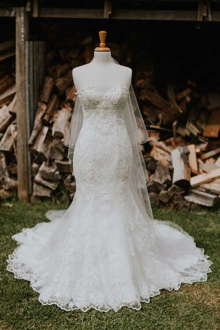Jacqui's wedding dress