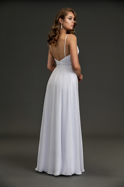 Back of summer wedding style Flora