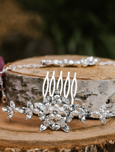 Hair accessories for coloured wedding dresses