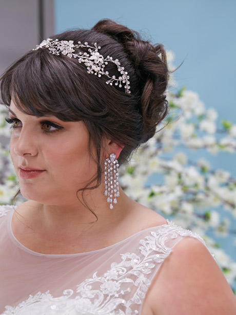 Jewellery for the Victoria wedding dress