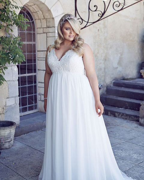 Andrea-plus-size-ready-to-wear-wedding-dress