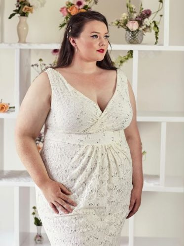 Bohemian plus size wedding dress side