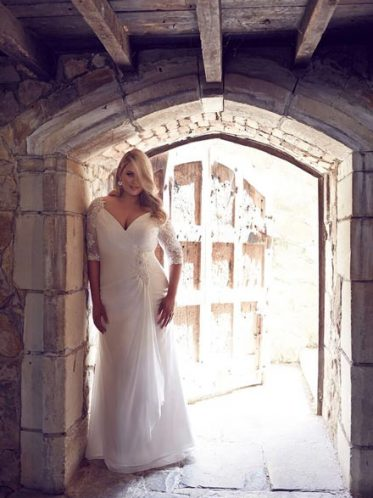 Fitted long sleeve wedding dresses