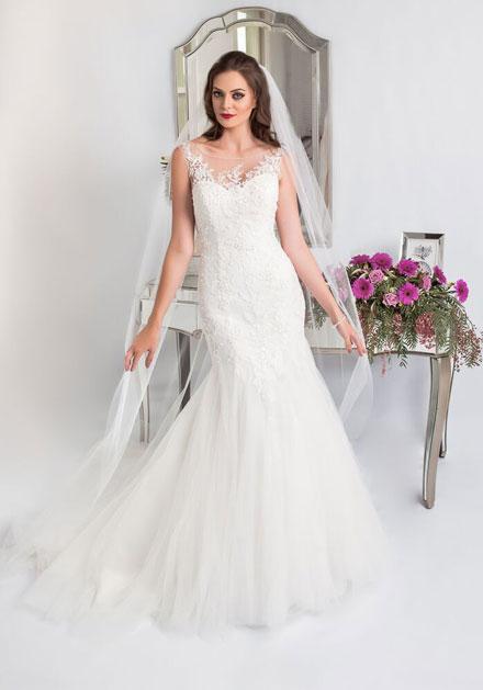 Genivieve off the rack wedding dress