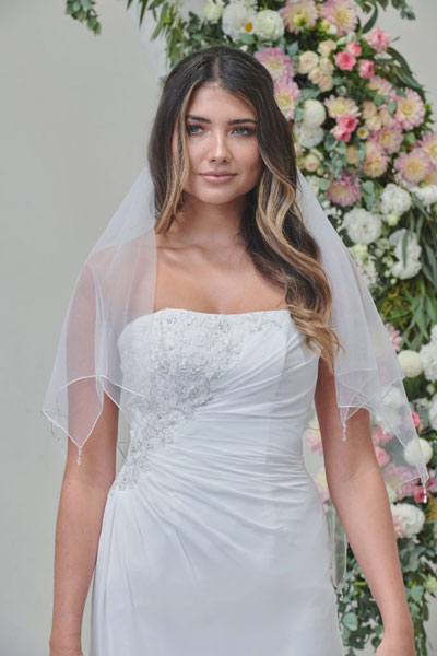 Double layer bridal veil with crystals