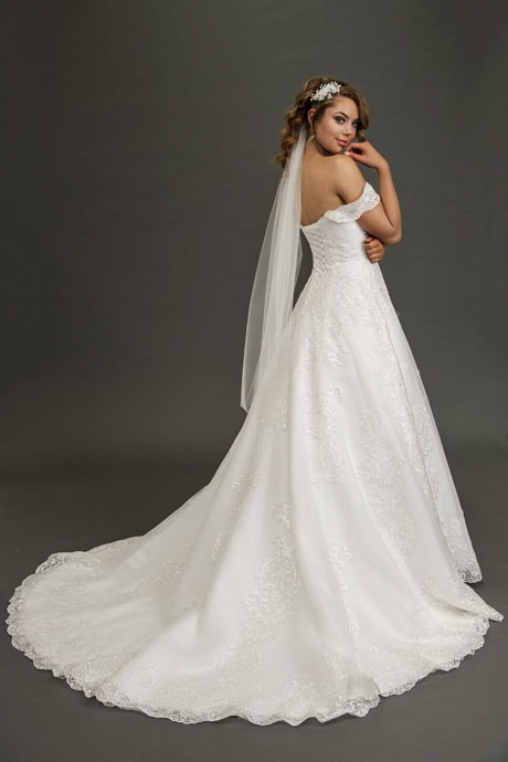 Ivory-single-long-blusher-veil