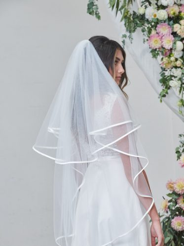 Ribbon edge double layer veil