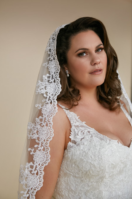 Lace trim veils