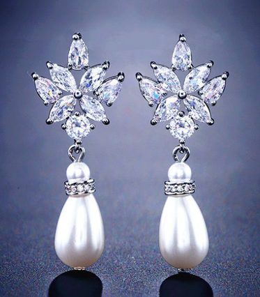 Summer drops with pearls