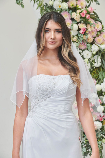 White dress for bride with veil