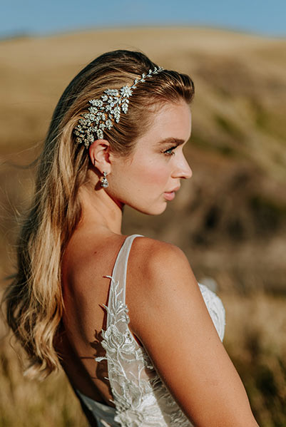 Romantic headpiece for free flowing hair