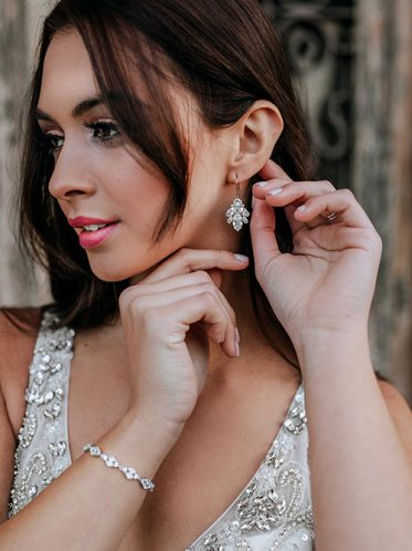 match your earrings to your bridal dress